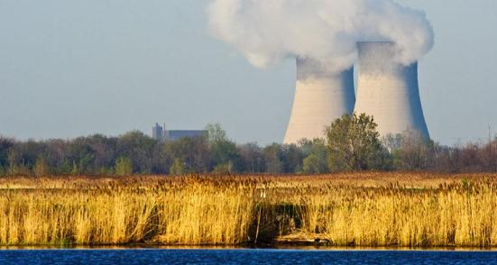 Acúmulo de resíduos: Usinas de energia nuclear dos EUA, incluindo a Estação de Geração Fermi Enrico Nuclear em Newport, Mich., Armazenar os seus resíduos. Eventualmente, os engenheiros podem fazer combustível usado mais seguro em parte pela extração do amerício elemento radioativo.
