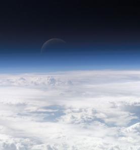 Clima mudou: O dióxido de carbono continua a acumular invisivelmente na atmosfera, prendendo o calor. Cortesia da NASA