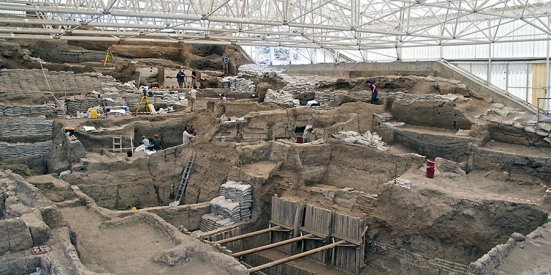 Sul área de escavação, Çatalhöyük. Fonte: khan academy