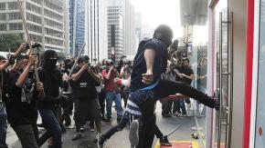 Atuação de Black Blocs em São Paulo.