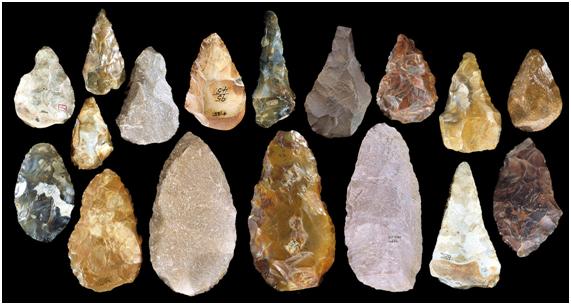 Acheulean machadinhas Período Paleolítico França, Reino Unido e África EST. 750.000 a 90.000 ANOS. Fonte: Lithic Casting Lab