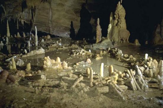 Feita por neandertais - mas o que eles foram para? Etienne Fabre / SSAC.