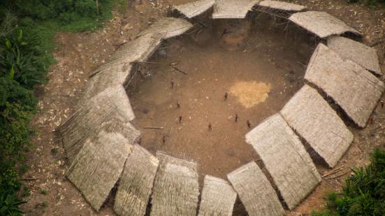 Proteger tribos de quem é de fora é um dos mais maiores desafios que enfrentam os governos da America do sul. Guilherme Gnipper Trevisan/Hutukara